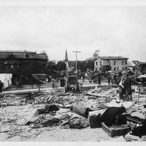 Busy Fifth Street, Santa Rosa, scene after the 1906 earthquake