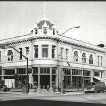 171 Main Street, Salinas, California, PH 1219 ©1979 Salinas Public Library