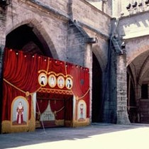 Puppets/Puppet Theater