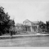 Damaged home in Santa Rosa after the 1906 earthquake