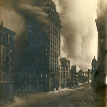 Call Building burning, San Francisco Earthquake and Fire, 1906 [photograph]