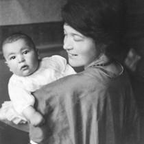 1921: Dave Brubeck, one-year-old with mother