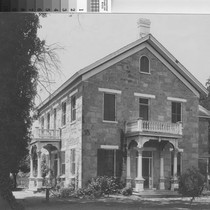Photograph of Barr Residence, Yuba City (Calif.) Photograph of Barr Residence, Yuba ...