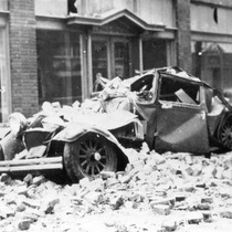 1933 Earthquake damage to the Lutz Building on 5th and Spurgeon