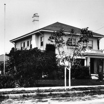 Photograph of 2303 Sol Garfield Ave, Los Angeles Times Photo