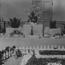 Display at Minerva Club flower show, 1940