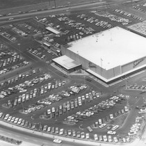 Aerial photo of Sears parking lot on opening day