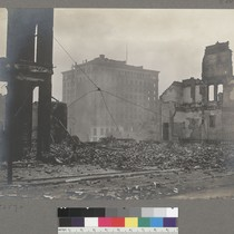 [Ruins and debris. Mills Building, at corner of Bush and Montgomery Streets, ...