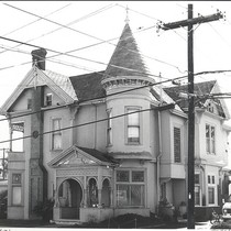 116 E. San Luis Street, Salinas, CA Ph.126 ©1979 Billy Emery