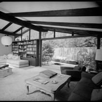 May, Cliff, residence [Cliff May #4; Experimental Ranch House; Skylight House]. Living ...