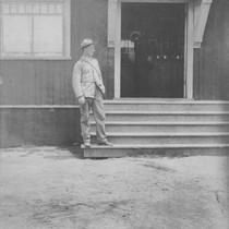 Man on the steps of the Marine Biological Association of San Diego ...