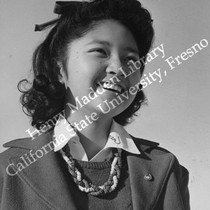 Alice Hifuni, Nisei high school student at Heart Mountain Relocation Center