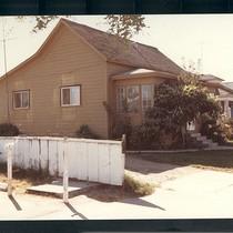215 West Market Street, Salinas, California, PH793 ©1980 Merle Pearson