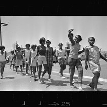 African American girls walk to summer jobs in Watts, Los Angeles (Calif.)