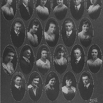 1918 Graduating Seniors, Lindsay (Calif.) High School