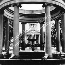 Anna Woodward Fountain in front of Fresno Courthouse