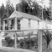 17 Mile Drive Post Office, Elkington/Setty Photo B1 © Anne Happ Elkington