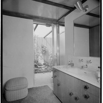 May, Cliff, residence [Cliff May #4; Experimental Ranch House; Skylight House]. Bathroom