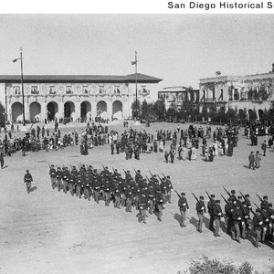 U.S. Marines on parade in the Plaza de Panama during the 1915 ...