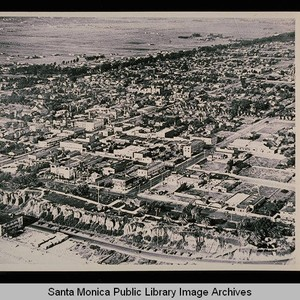 Aerial view of Santa Monica, north of Wilshire showing the wooded diagonal ...