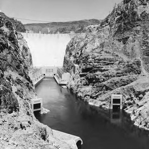 General view of Hoover Dam from the downstream side