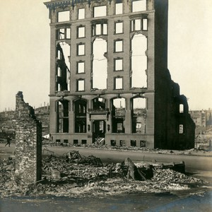 Marie Antoinette apartment building, San Francisco Earthquake and Fire, 1906 [photograph]