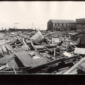 [Waterfront in ruins after the earthquake and fire of 1906]