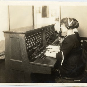 [Telephone switchboard in service building at the Panama-Pacific International Exposition]