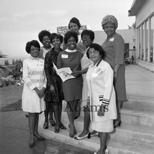 Women on steps, Los Angeles, 1970