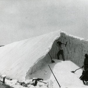 Men loosening the salt from the stiffened mound at the Bateque Salt ...