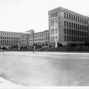 [Exterior view of San Francisco General Hospital]