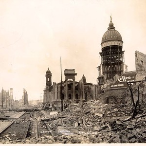 [City Hall in ruins after the 1906 earthquake and fire]