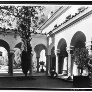 Exterior view of the athenaeum at the California Institute of Technology in ...