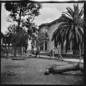 Side view of Forman House, Pico Boulevard, Los Angeles