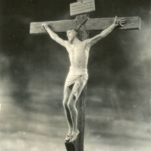"H. B. Warner as Christ on the cross in ""The King of ..."