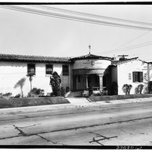 Exterior view of the John C. Fremont branch of the Los Angeles ...