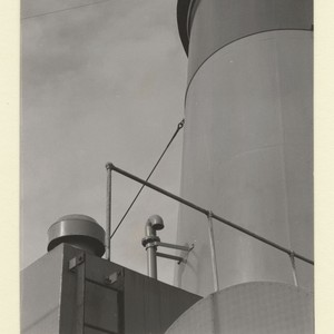 [Smoke stack, Unidentified ship.] [photographic print]