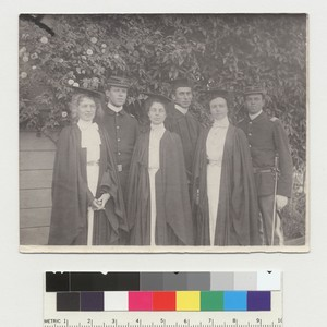 Group portrait of 6 graduates, University of California at Berkeley. [photographic print]
