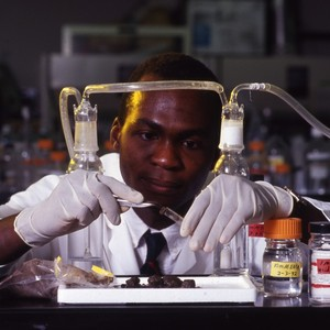Dele Ogunseitan in H2O lab