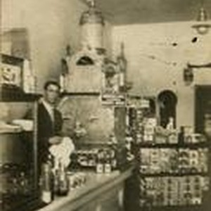 Blacks Confectionary, Arroyo Grande, circa 1907
