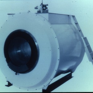 MRI superconducting magnet with ladder