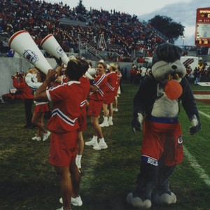 Sports-New campus-Mascot and cheer squad 019