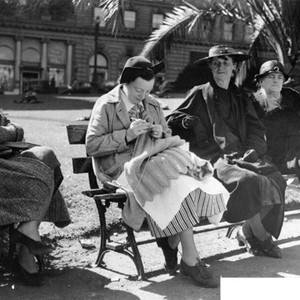 [Women sitting on benches in Union Square]