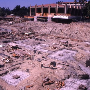 Construction of Reines hall and other unidentified UCI buildings.