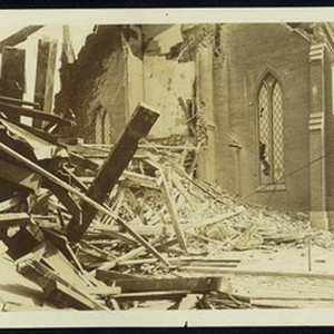 Exterior view of the First Presbyterian Church after the 1906 earthquake in ...