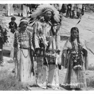 Calisphere: Sioux Indians