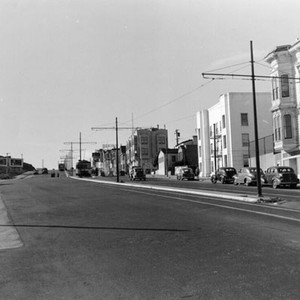[View of Geary Boulevard at Broderick Street, looking west]