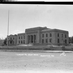 """Lassen Co. Court House"" Susanville, Cal"