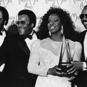Gladys Knight and the Pips take award