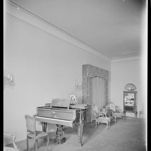 Doheny residence. Interior with piano